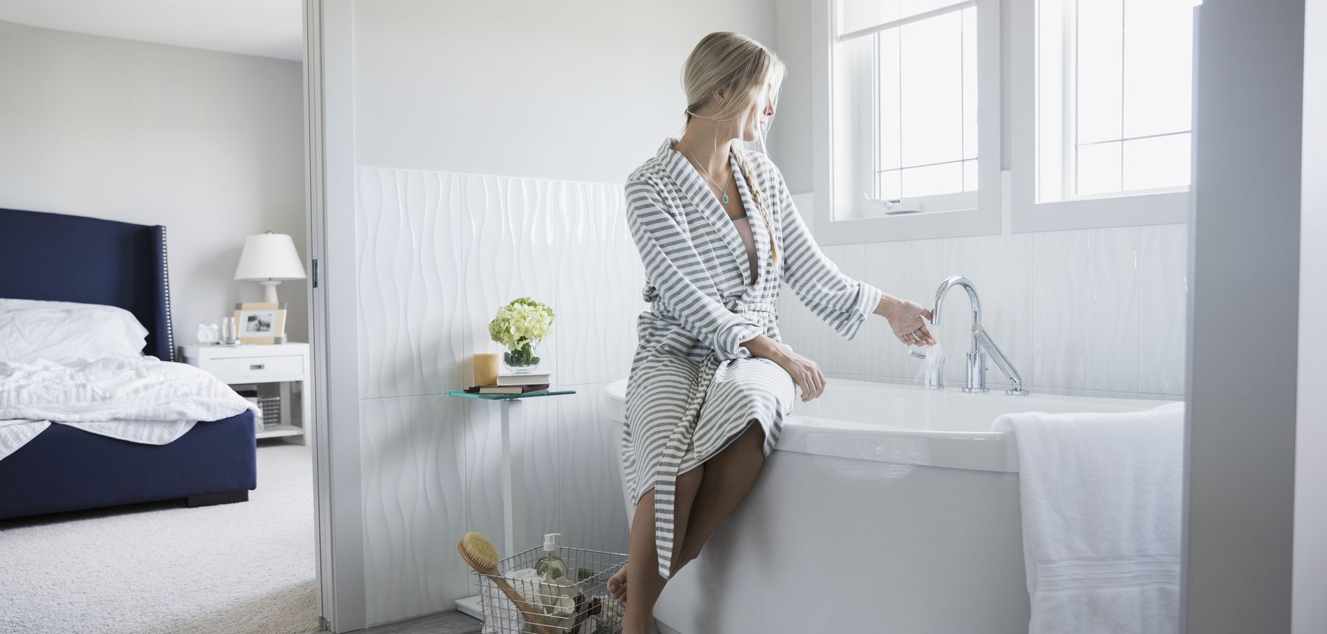 Les accessoires indispensables dans une salle de bains for Les accessoires salle de bain