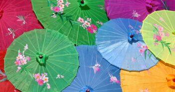 Parapluie, parasol et ombrelle : quelles différences ?