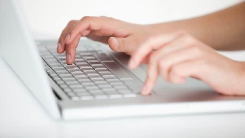 Comment savoir si une personne est décédée sur internet